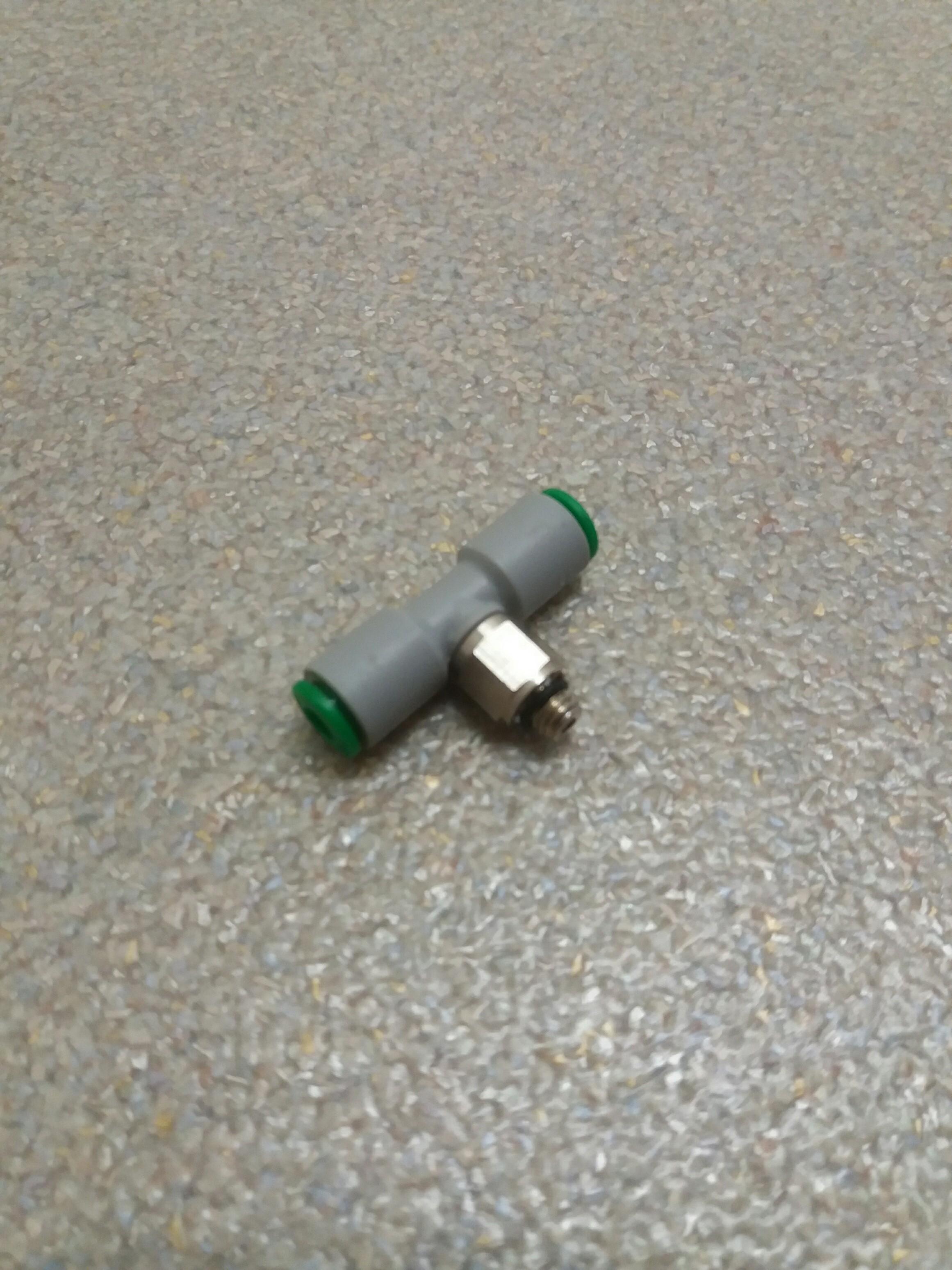 Patentschaar®  Insteek T-stuk slang 4 x M5 x 4 mm.