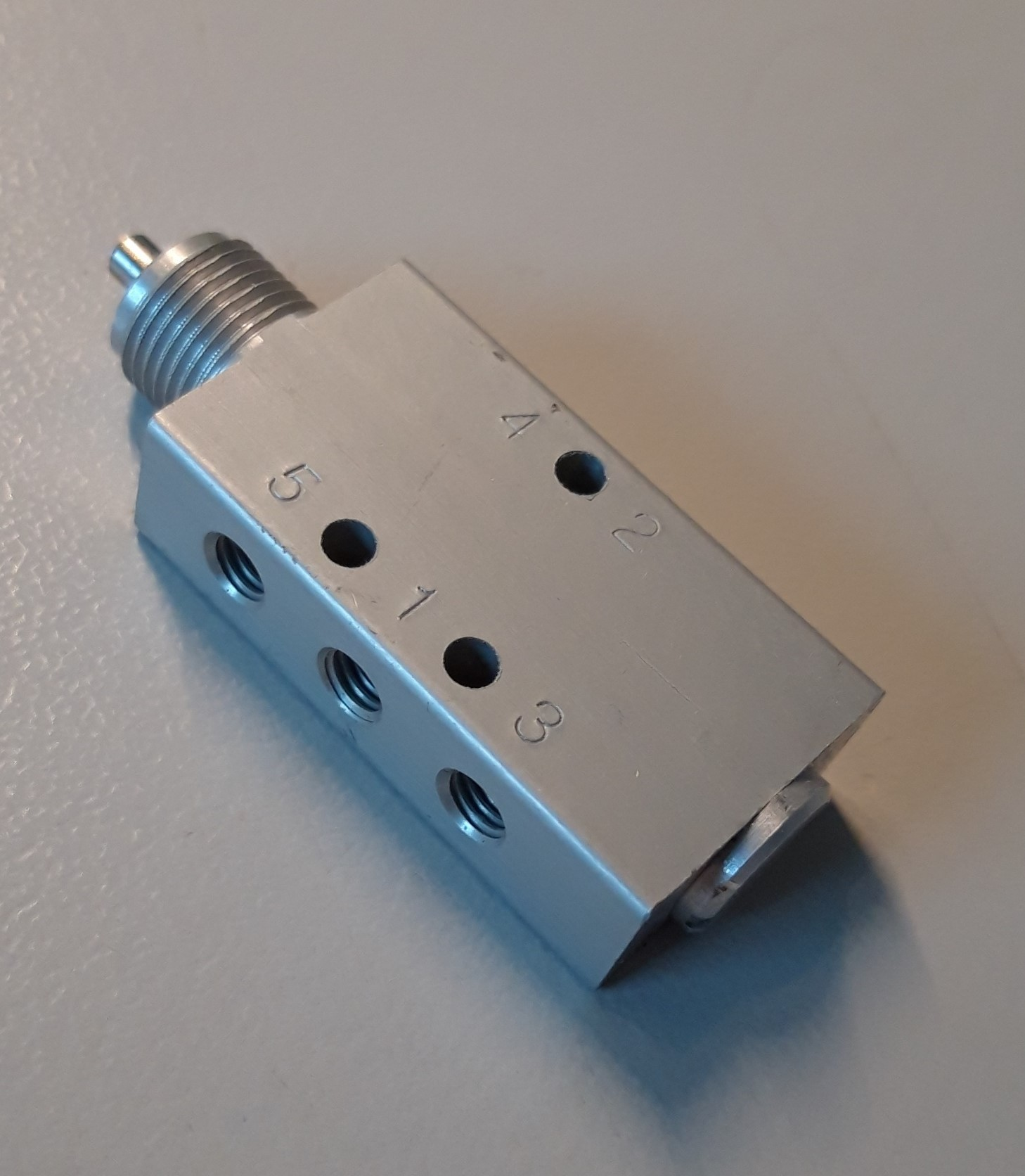 Pneumaat ventiel 5-2 M5